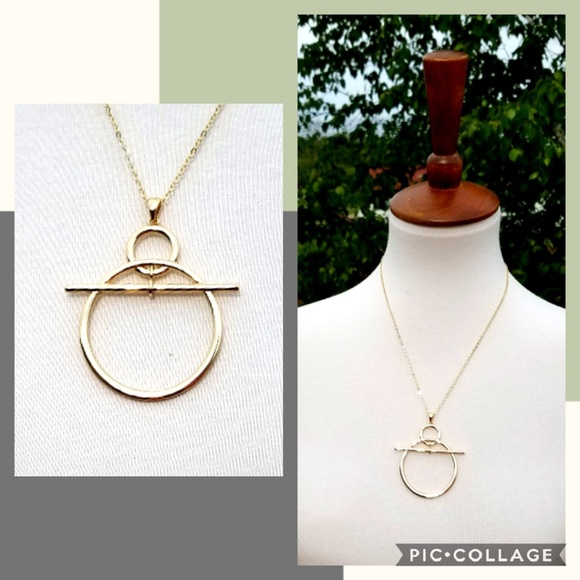 Jewelry - +new+ boutique gold abstract necklace